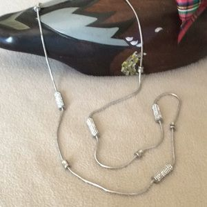 Jewelry - 🎉 Beautiful Silver tone Necklace with Stones 🎉